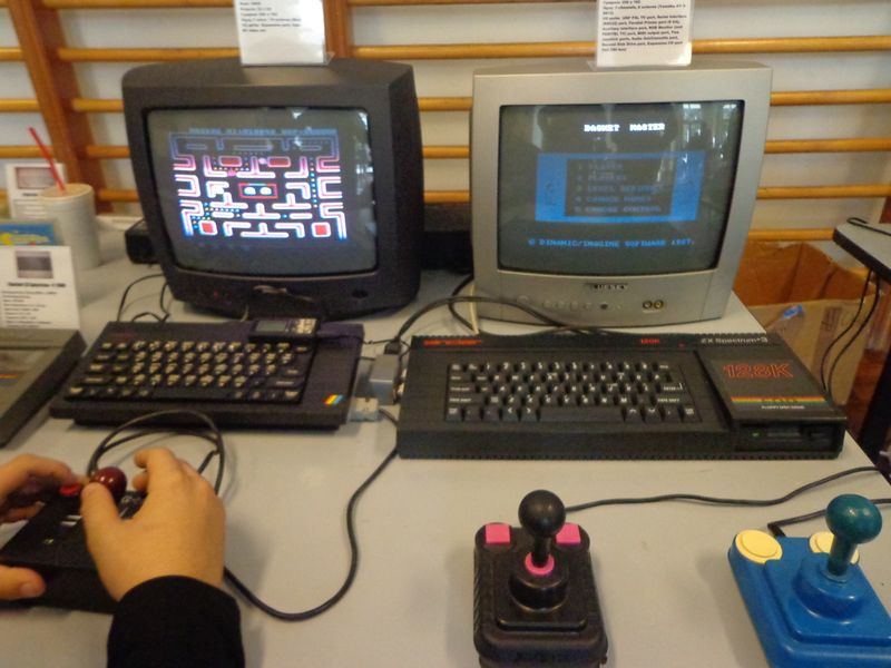 retrocomputers.gr_peristeri_2014-b.jpg