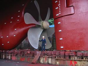 Ship-propeller.jpg