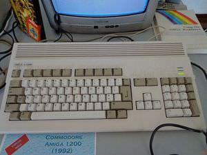 Commodore_Amiga_1200_5.jpg