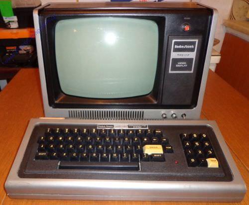 radioshacktandytrs-80model1-a.jpg