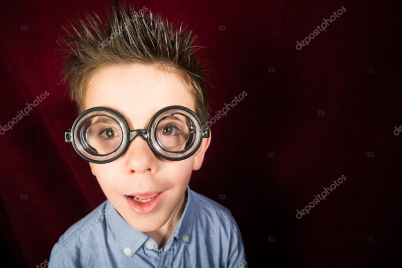depositphotos_40062451-stock-photo-child-with-big-glasses.jpg