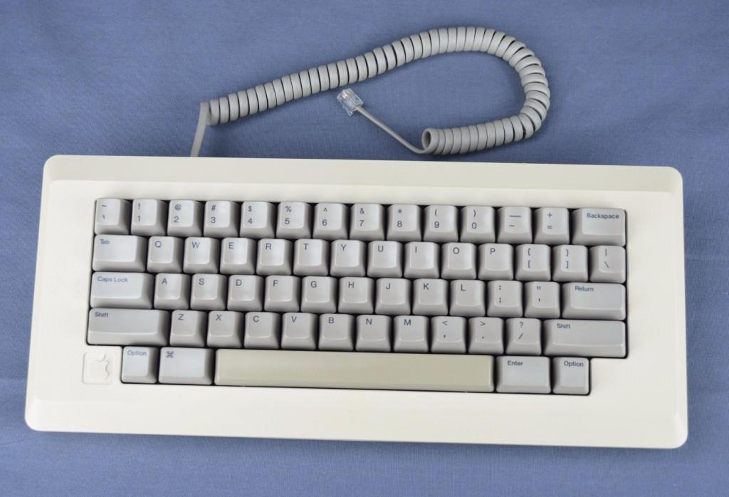 macintosh512K_keyboard.jpg