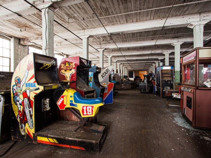 418249-arcade-graveyard_k9u8.jpg
